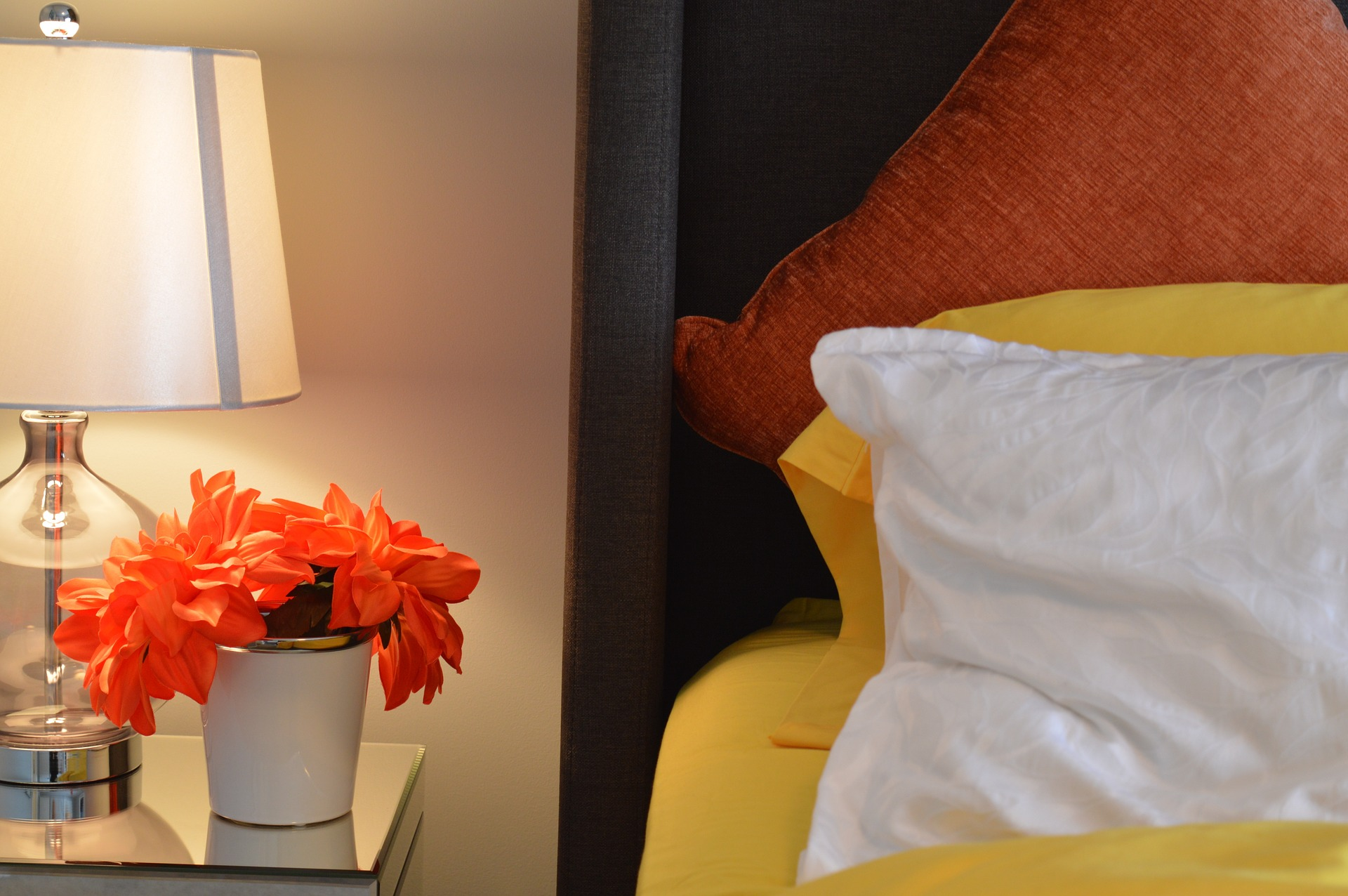 How to Transform Your Airbnb Property Using the Power of Good Lighting