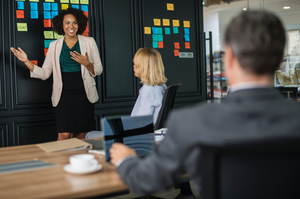 brainstorming-businesswomen-colleagues-1093913-1