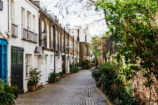 London houses avenue daylight