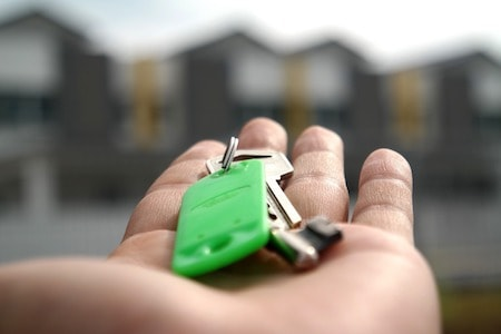 home keys properties keys in hand