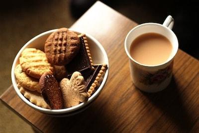 tea host biscuits